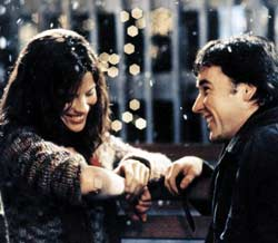 Kate Beckinsale as Sara Thomas and John Cusack as Jonathan Trager in Peter Chelsom's Serendipity (2001)